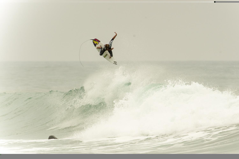 GLOBE_TAJ_BURROW_URBAN_SURFER-1